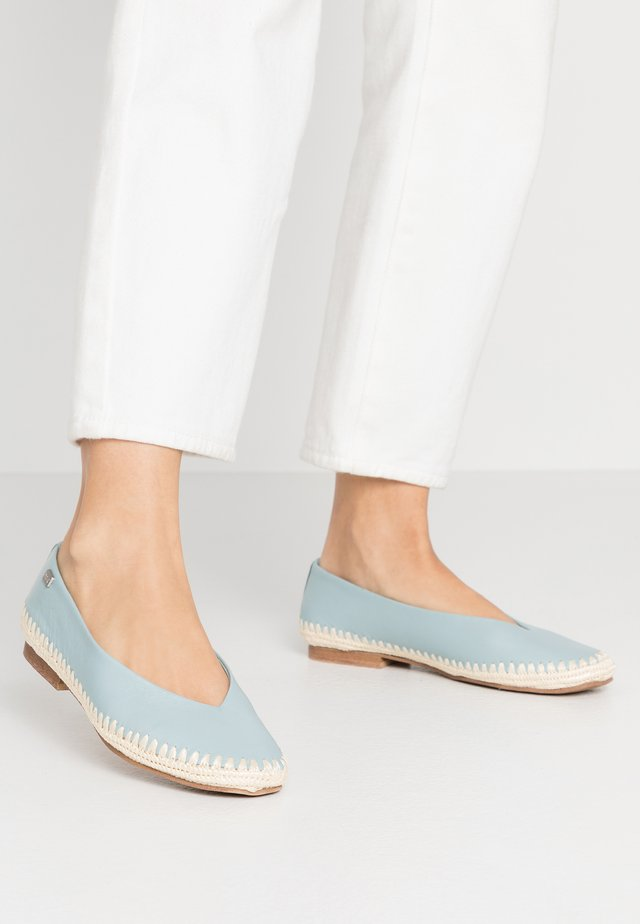 ANDRA - Loafers - cel