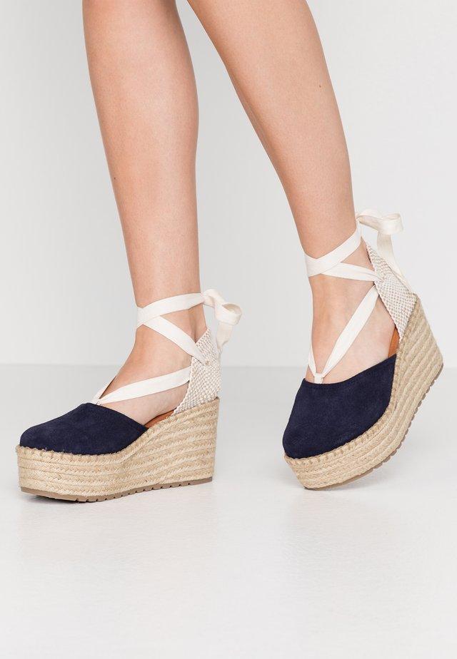 DALTON - Korolliset sandaalit - navy