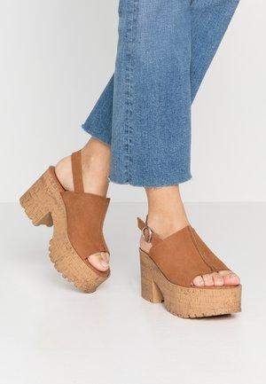 DALMA - Sandály na vysokém podpatku - tan