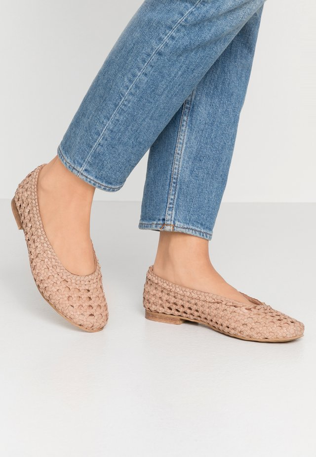 SERLY - Ballet pumps - nude