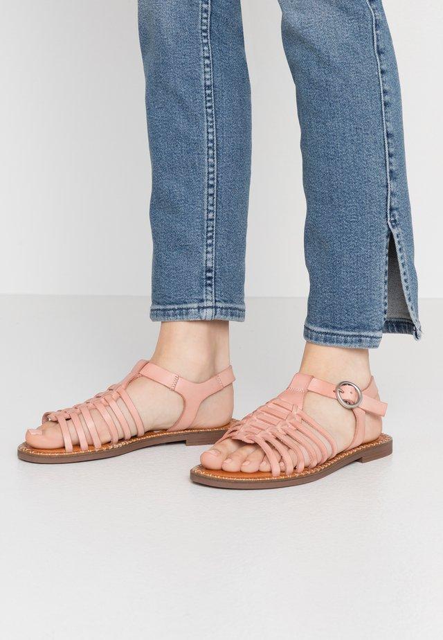 LUCIA - Sandaalit nilkkaremmillä - nude