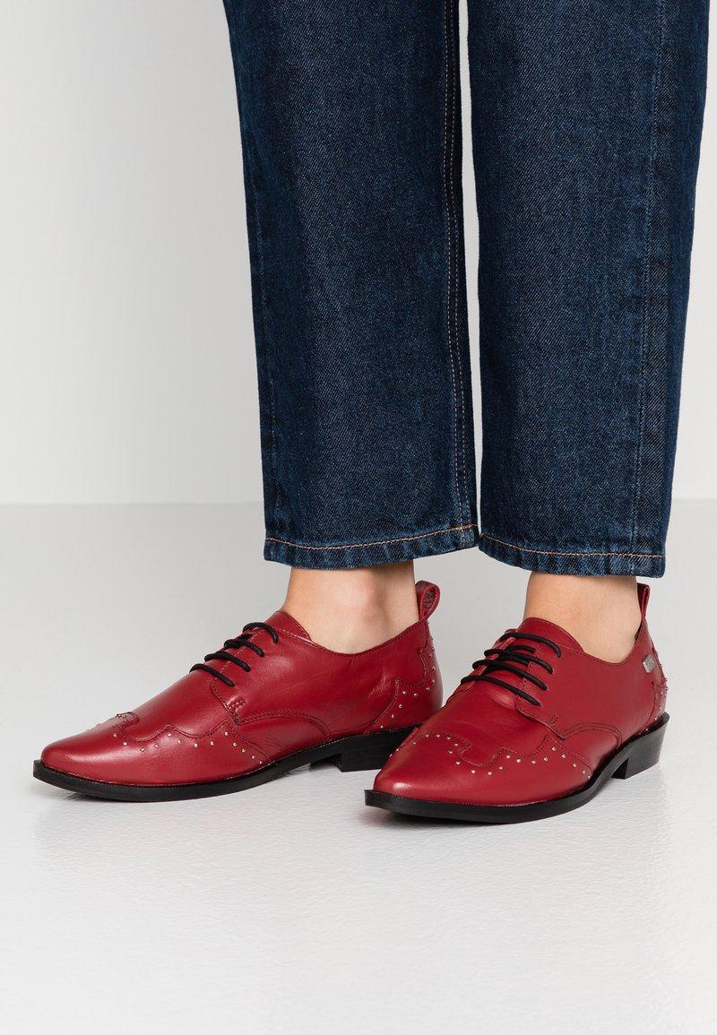 Musse & Cloud - PICKY - Oksfordki - red