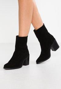 Musse & Cloud - ANNIE - Støvletter - black - 0