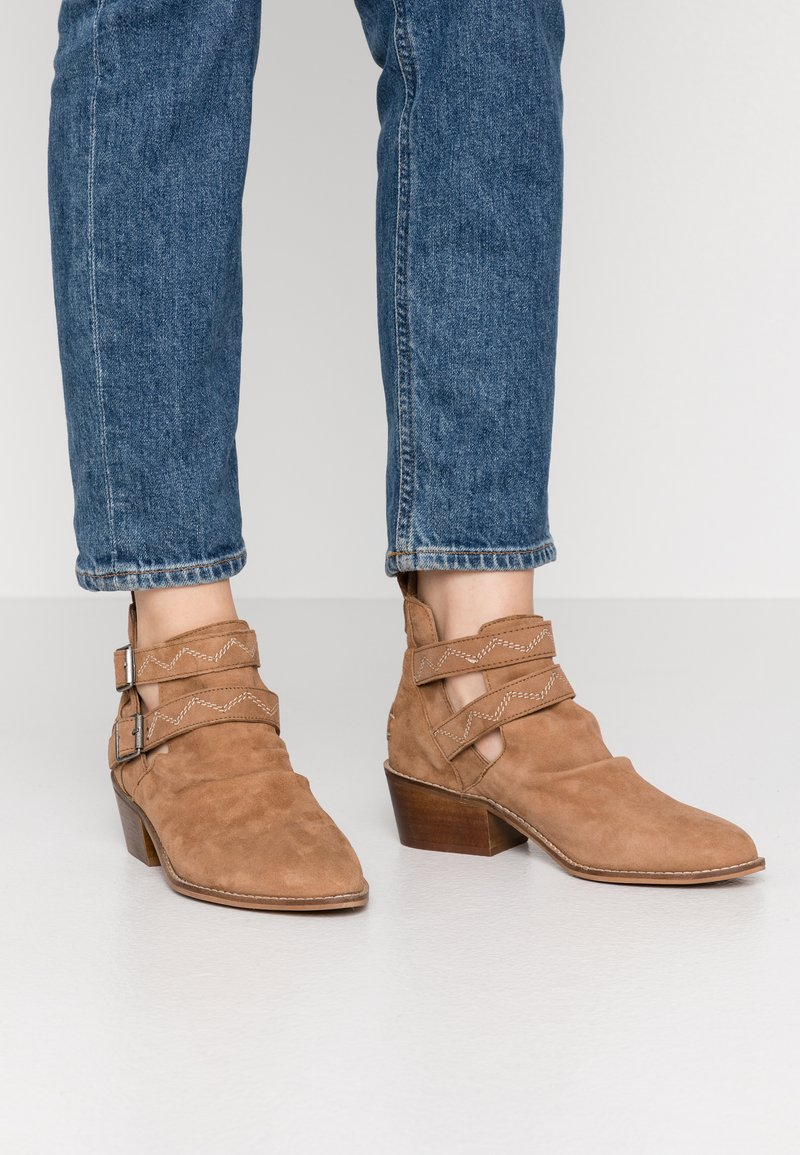 Musse & Cloud - DASHY - Ankle boot - tan