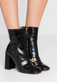 Mulberry - Kotníková obuv na vysokém podpatku - nero - 0