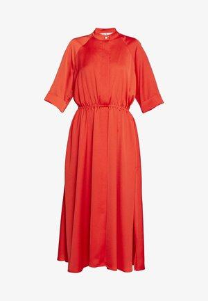 JUDE DRESS - Denní šaty - bride red