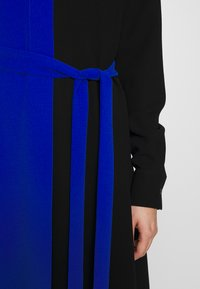 Mulberry - MAGGIE DRESS - Denní šaty - medium blue - 6