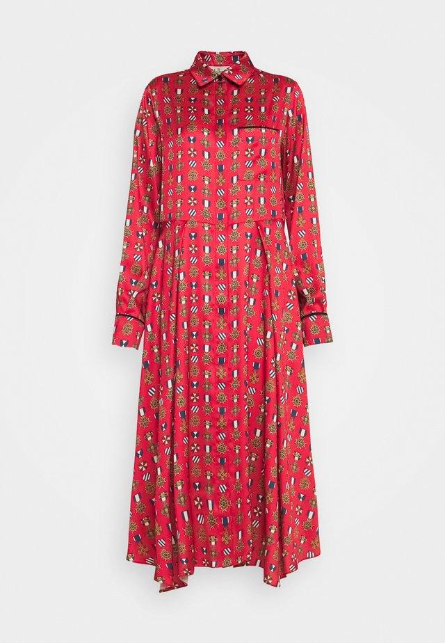 TERI DRESS - Skjortklänning - medium red