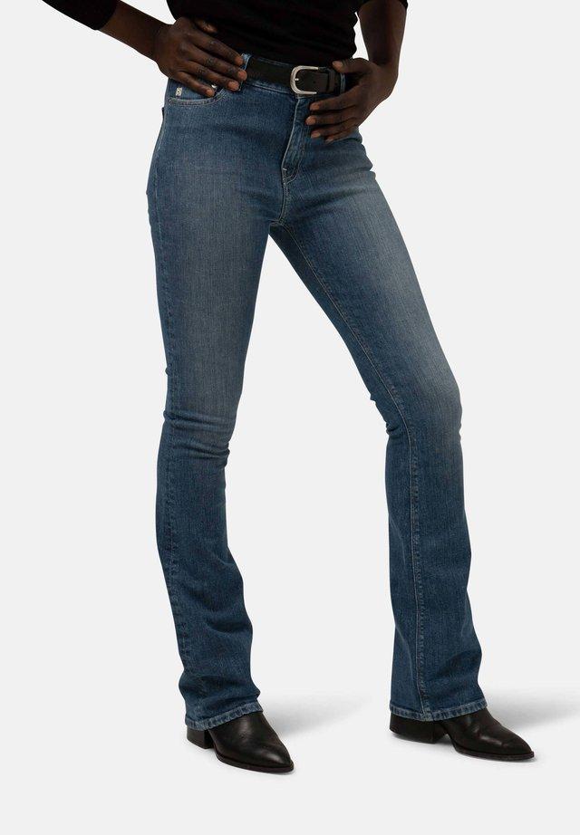 HAZEN - Flared Jeans - authentic indigo