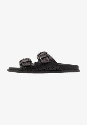 FERRO - Pantofle - schwarz