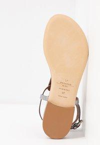 WEEKEND MaxMara - DOMEZ - Sandály s odděleným palcem - silber - 6