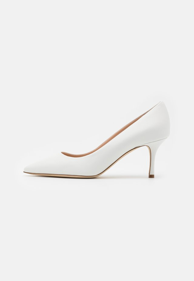 ORIETTA - Classic heels - weiß
