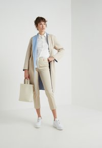 WEEKEND MaxMara - ALIBI - Chinosy - beige - 1