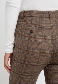 WEEKEND MaxMara - PANTERA - Spodnie materiałowe - kamel - 5