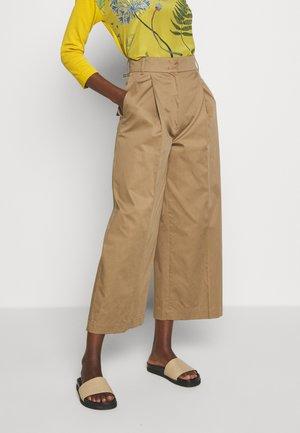 VELIA - Trousers - erde