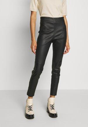 ARCADIA - Pantalon en cuir - schwarz