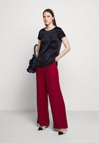 WEEKEND MaxMara - RAGUSA - Spodnie materiałowe - bordeaux - 1
