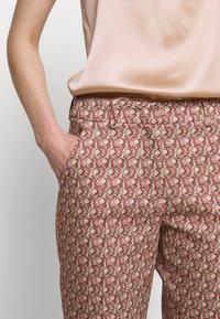 WEEKEND MaxMara - CABRAS - Trousers - koralle - 7