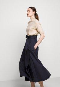 WEEKEND MaxMara - ANDREIS - Áčková sukně - nachtblau - 3