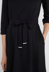 WEEKEND MaxMara - PARMA - Robe en jersey - schwarz - 3