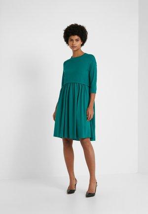 MINCIO - Jumper dress - smaragdgrun