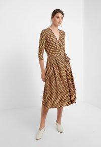 WEEKEND MaxMara - ACCA - Sukienka z dżerseju - rosa - 0