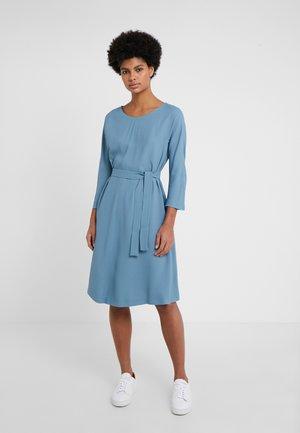 UMANO - Korte jurk - azurblau