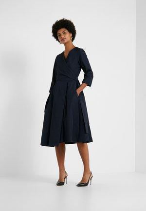 MANIOCA - Korte jurk - blau