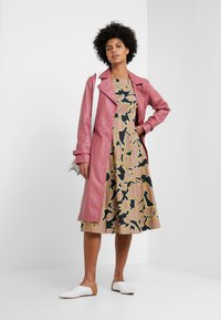 WEEKEND MaxMara - SALOON - Kjole - rosa - 1