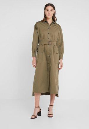 MANIA - Sukienka koszulowa - khaki