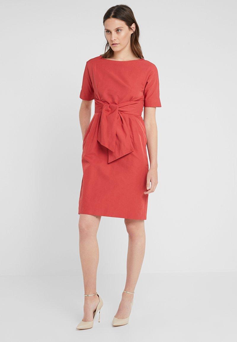 WEEKEND MaxMara - TANDEM - Shift dress - ziegelrot