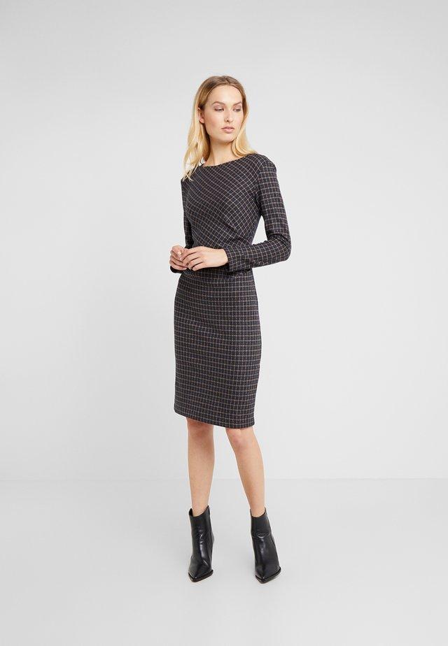 SALETTA - Pouzdrové šaty - ultramarine
