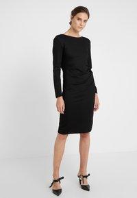 WEEKEND MaxMara - GIANNI - Shift dress - schwarz - 0