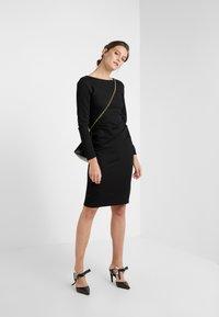 WEEKEND MaxMara - GIANNI - Shift dress - schwarz - 1