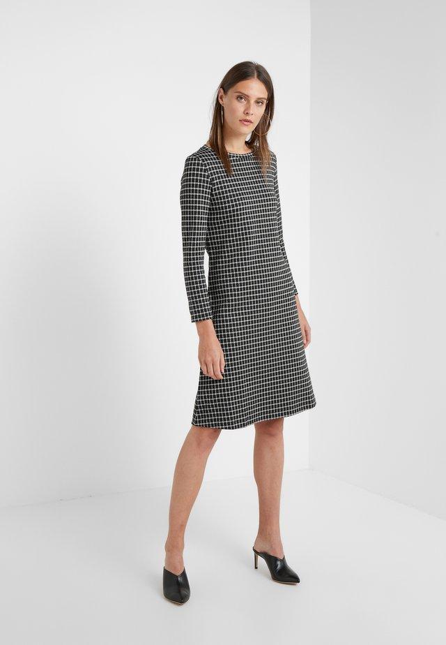 PERIGEO - Stickad klänning - schwarz