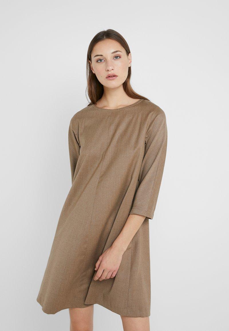 WEEKEND MaxMara - TONICO - Shift dress - kamel