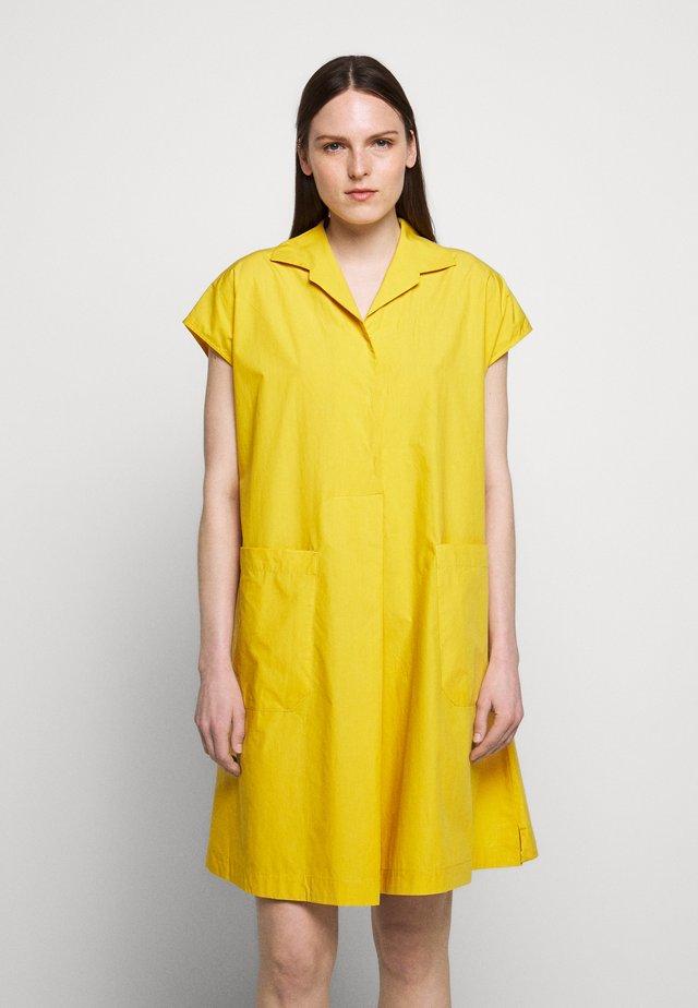 LINFA - Blusenkleid - gelb
