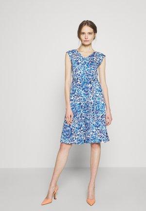 THOMAS - Jerseyklänning - ozean
