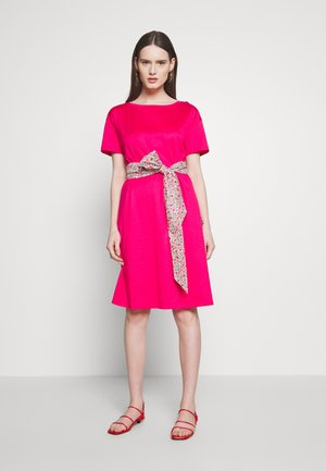 BORNEO - Jersey dress - shocking pink