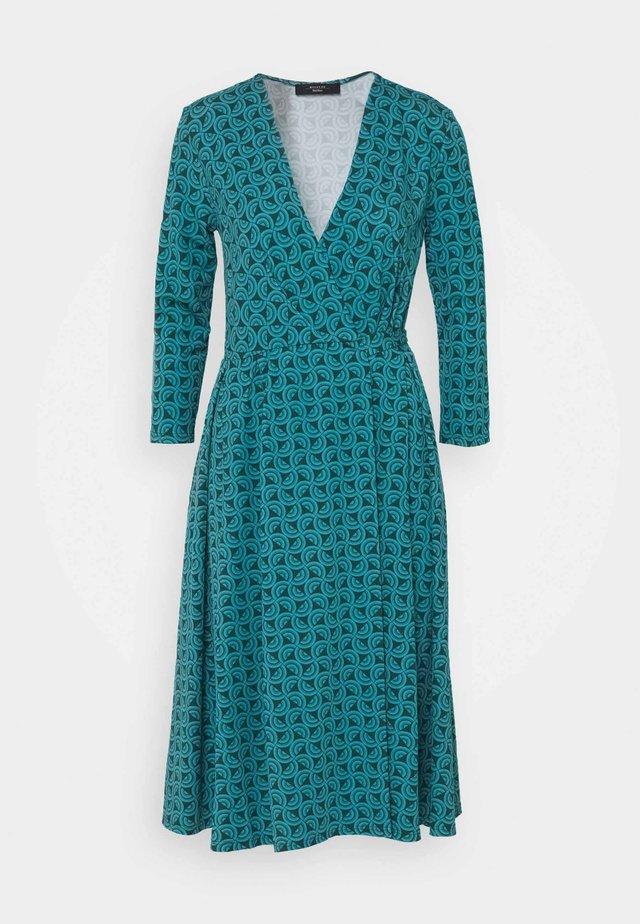 OXIRIA - Sukienka z dżerseju - gruen
