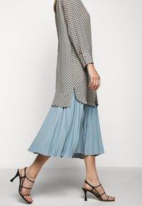 WEEKEND MaxMara - OKRA - Button-down blouse - jade - 3