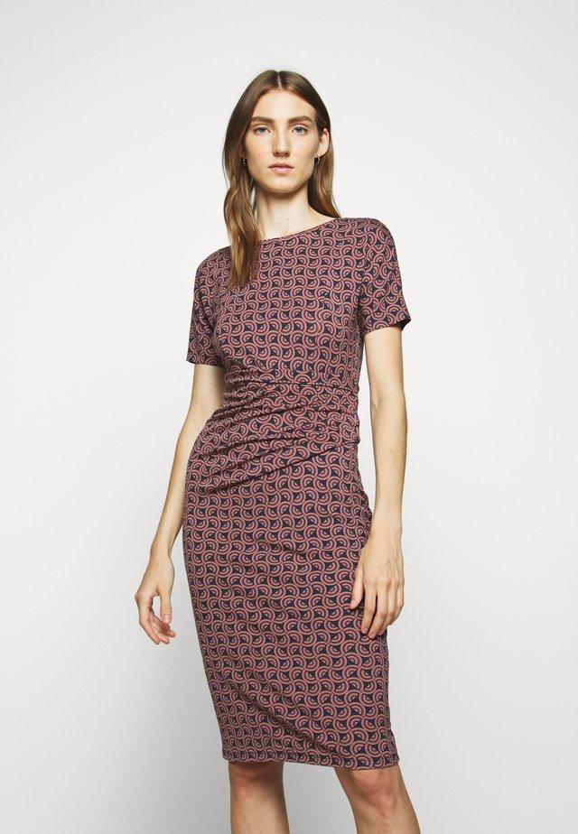 FLOU - Pouzdrové šaty - altrosa