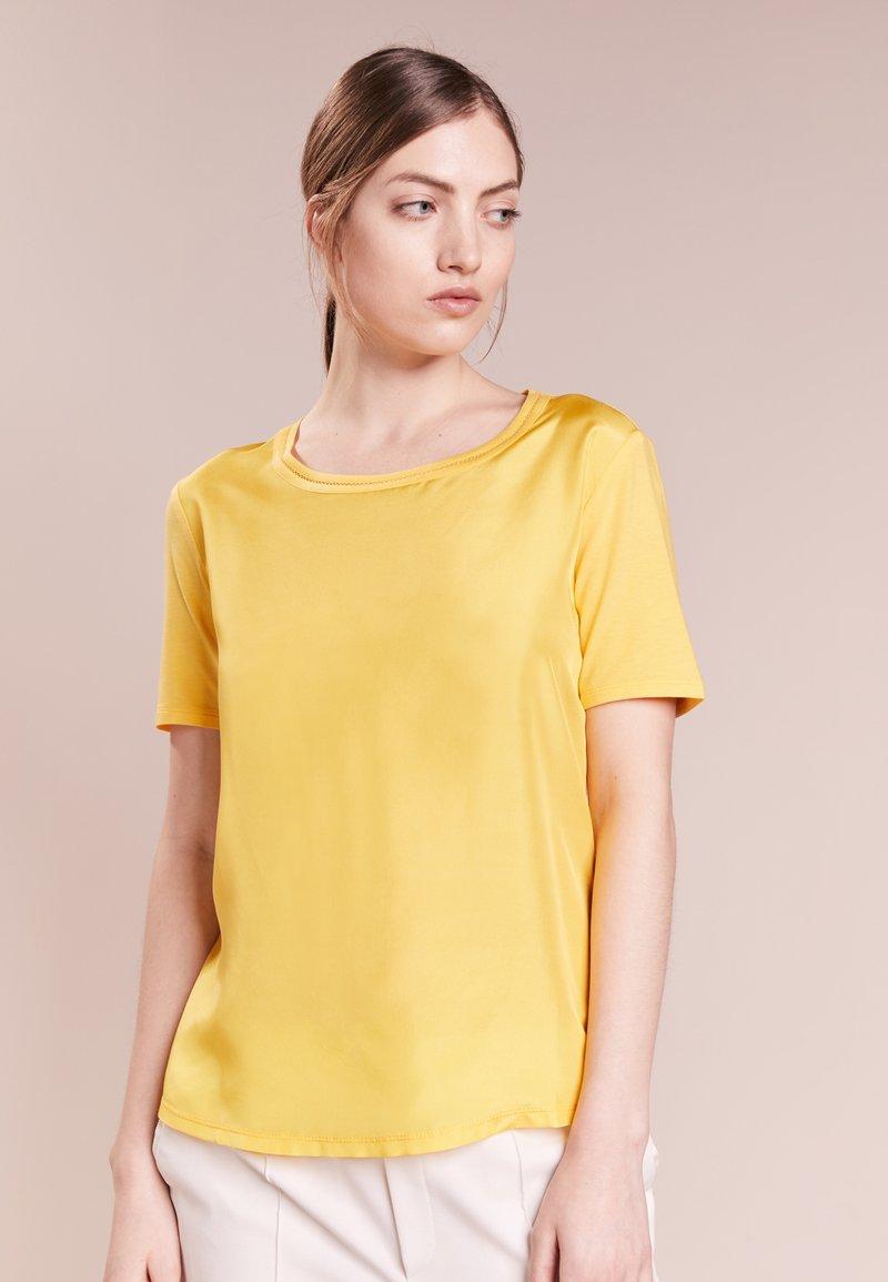 WEEKEND MaxMara - HOLLY - T-Shirt basic - giallo