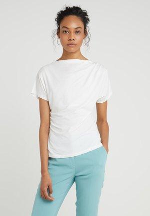 MULTID - T-shirt z nadrukiem - weiss