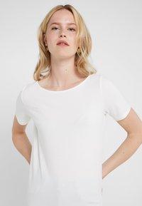 WEEKEND MaxMara - MULTIE - T-shirt - bas - white - 4