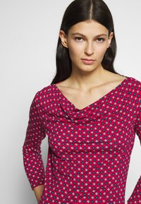 WEEKEND MaxMara - TIRSI - Bluzka z długim rękawem - shocking pink - 5