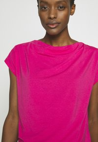 WEEKEND MaxMara - T-Shirt basic - shocking pink - 3