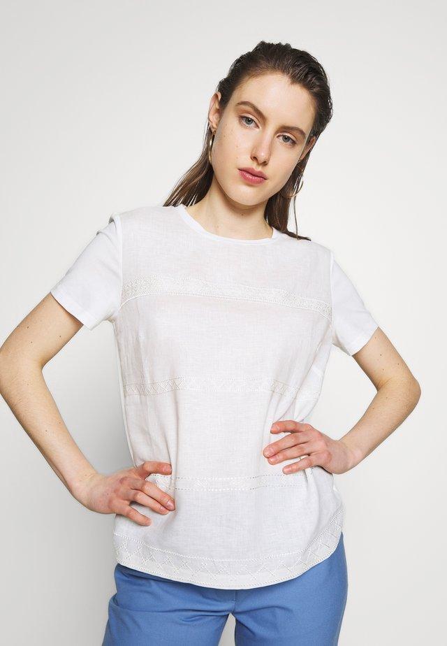 ORI - Print T-shirt - white