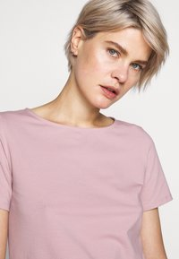 WEEKEND MaxMara - MULTIC - Jednoduché triko - light pink - 3