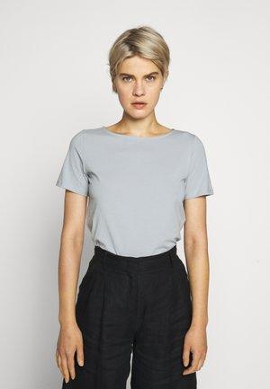 MULTIC - T-shirt basic - wasser